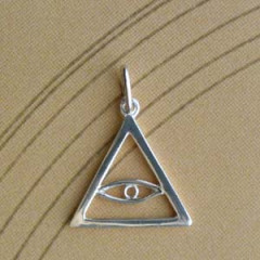 Triangle Argent FIL TRIANG + OEIL Z27
