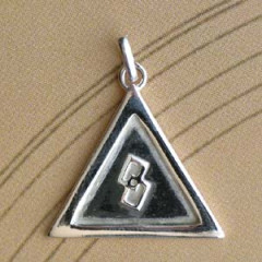 Triangle Argent RELIEF + CARRE LONG Z64